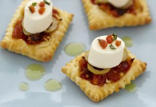 ricetta per aperitivo Mini-pizze croccanti con Aperifresco