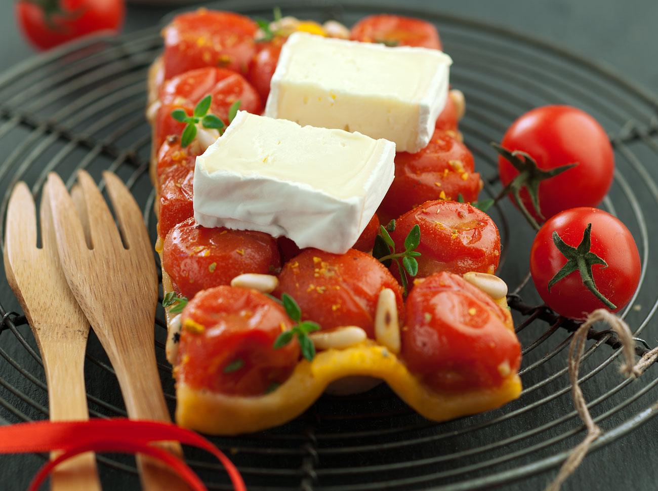 Torta-salata-con-pomodorini-e-pinoli