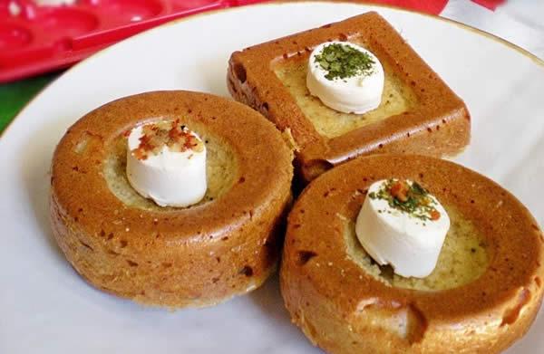 mini-cake-salati-con-origano